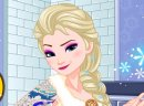 Play game free and online: Elsa gets inked